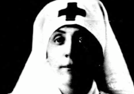 photo of mrs william wallace clendenin in red cross uniform