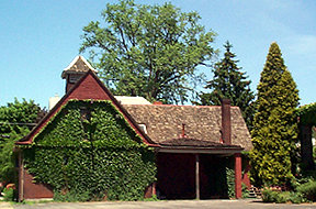 1895 house